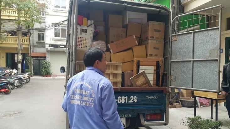 Thuê xe bán tải chuyển văn phòng không bị hớ