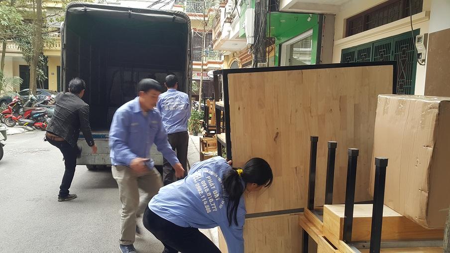 Cần thuê xe tải 2 tấn chuyển nhà trọn gói trong ngõ hẹp